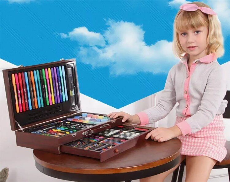 Набор для рисования и творчества в деревянном чемоданчике 130 предметов