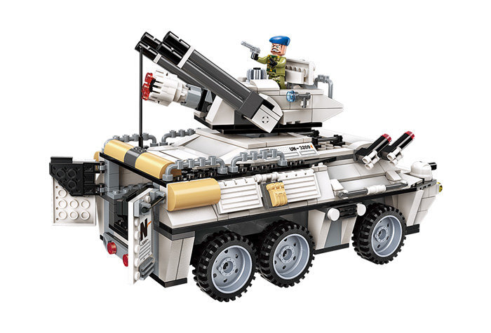 Конструктор Штурм на броневике QMAN 3209 (Enlighten Brick) 930 дет.