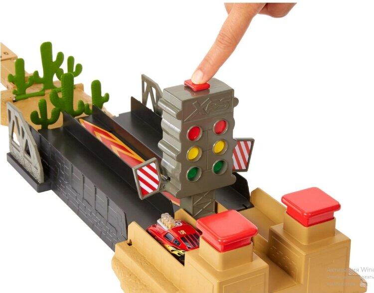 Скоростной драг-трек Тачки 3 Drag racing playset GFM09 Mattel