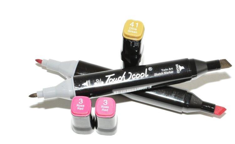 Скетч-маркеры 60 цветов  двухсторонние с подставкой и чехлом Twin Art SketchMarker