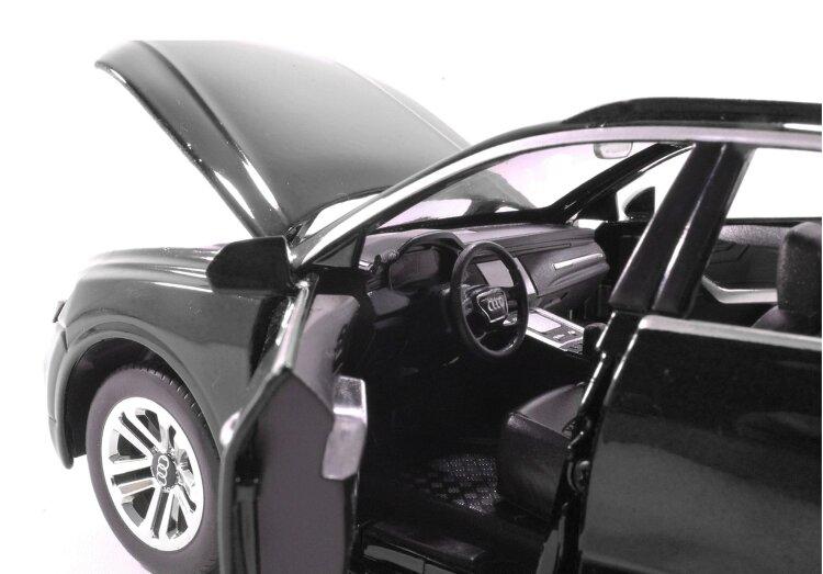 Машинка металлическая инерционная Audi Q8 чёрная